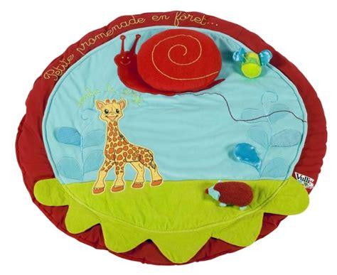 tapis la girafe vulli tapis eveil la girafe doudouplanet