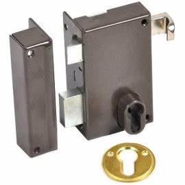 Serrure Cylindre Européen : serrure cylindre europ en verticale tirage gauche ~ Edinachiropracticcenter.com Idées de Décoration