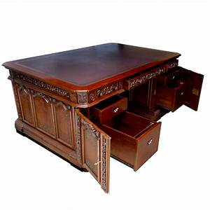 John f kennedy39s resolute oval office desk at the john f for Oval office desks