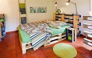 Lit En Palette Avec Rangement : 100 id es pour fabriquer une t te de lit en bois qui transformera votre chambre obsigen ~ Melissatoandfro.com Idées de Décoration