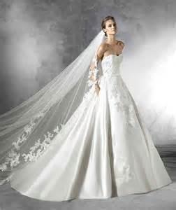 robe de mariã e pas cher lyon robe de mariee longue traine pas cher meilleur robe