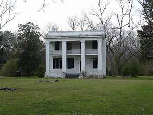 the Kirkpatrick Home in the abandoned town of Old Cahawba ...
