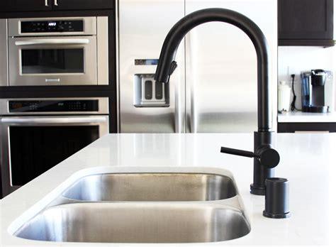 Kitchen Faucet Ideas - black is the black design