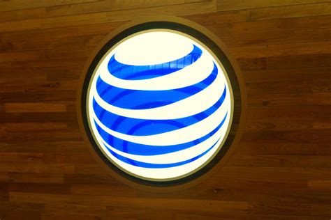 At&t's Head Honcho Says Phone Contracts Will Eventually Go