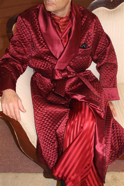 robe de chambre l馮鑽e pour homme vestaglia classica uomo in seta raso trapuntata contrasti