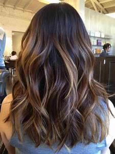 Faire Un Balayage : balayage blond sur brune comment r ussir cette technique de coloration ~ Melissatoandfro.com Idées de Décoration