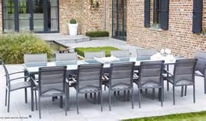 table de jardin rectangulaire avec rallonge grise pour 8