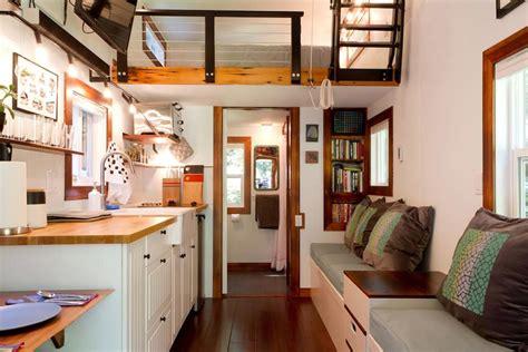makers tiny house  guemes island tiny living