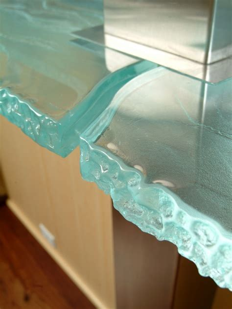 Versatile Countertop with Inner Glow: ThinkGlass