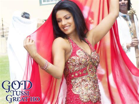 Priyanka Chopra Saree Wallpaper Sheclick Com