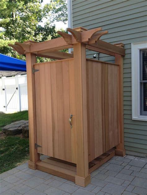 red cedar outdoor shower  jkshea construction jkshea