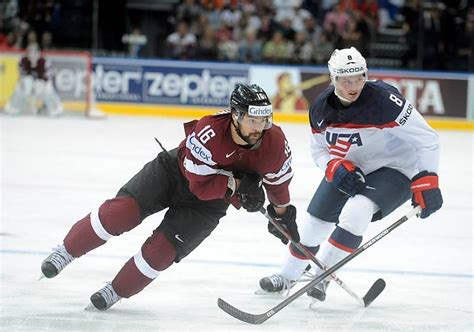 Latvija emocionālā spēlē uzvar ASV hokeja izlasi - Spoki