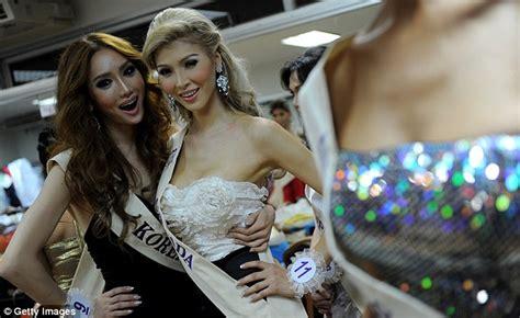 Jenna Talackova: Transgender beauty queen kicked out of ...