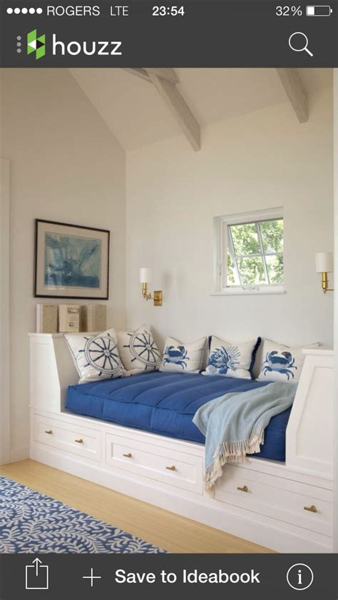 desk for a small bedroom 1000 images about small bedroom ideas on pinterest loft 18640 | 5f6baedaf242f1497cc00526f9e5701a