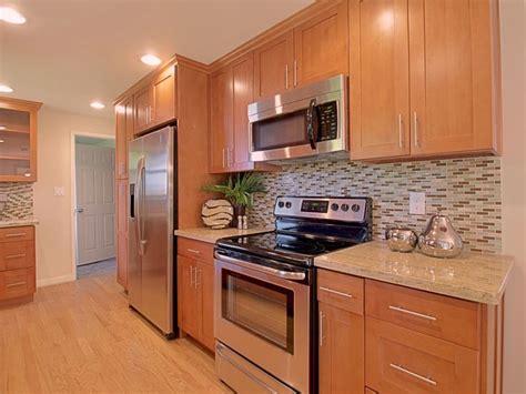 toffee colored kitchen cabinets toffee shaker maple pius kitchen bathpius kitchen 6273