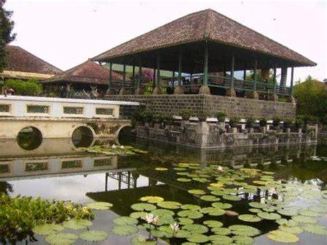 objek wisata  amlapurakarangasembali tur  bali