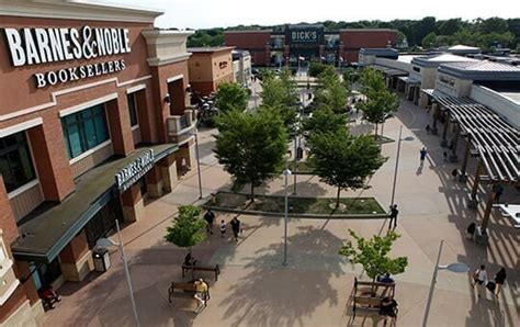 smith haven mall  shopping center  lake