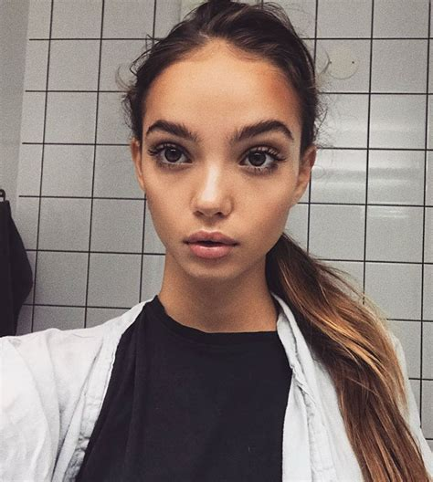 Hot Instagram Girl Of The Day Inka Caveman Circus