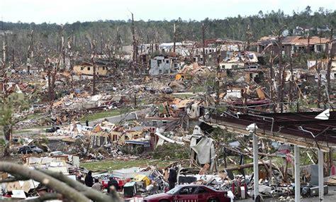 foto de Astounding Images from Alabama Tornado Outbreak