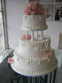 traditional wedding cake best 25 traditional wedding cakes ideas on beautiful wedding cakes big wedding