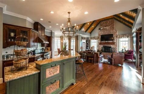 Timeless Appeal  $2,549,000  Pricey Pads