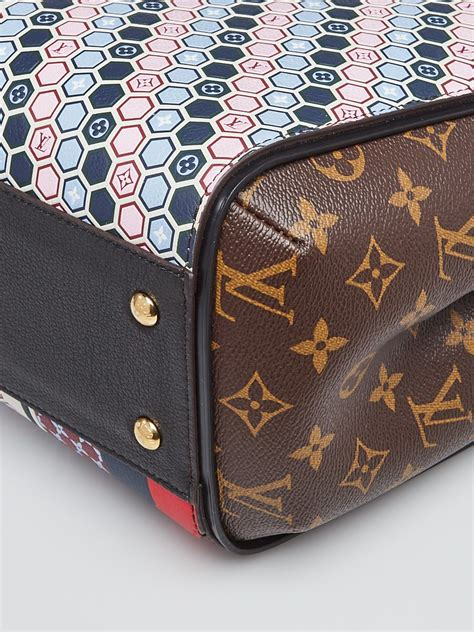 louis vuitton limited edition monogram canvas  multicolor graphic pattern kimono tote bag