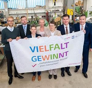 Arbeit In Stuttgart : kachel pr sentation des inqa checks vielfalt und des ~ Kayakingforconservation.com Haus und Dekorationen