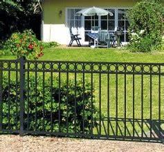 Gartenzäune Aus Metall Günstig : gartenzaun sichtschutz zaun bei hornbach kaufen ~ Lizthompson.info Haus und Dekorationen