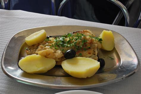portugal cuisine portuguese salt cod hash recipe dishmaps