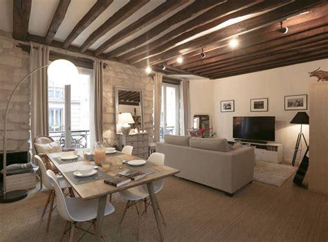 maison et decoration d 233 coration d un salon avec chaises eames table bois