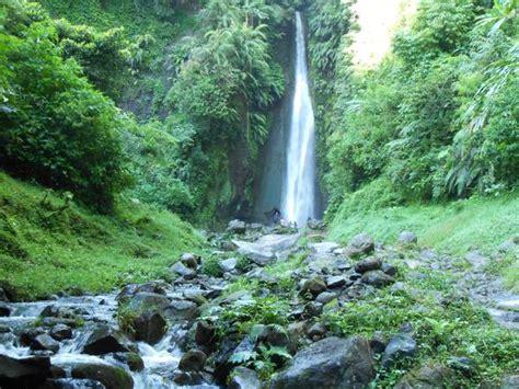 daerah wisata  indonesia keindahan air terjun curug