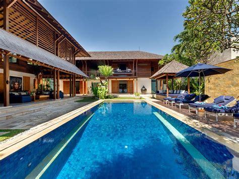 4 Bedroom Private Villa In Seminyak, Bali