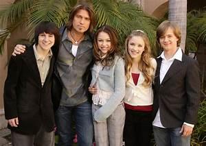 14 Fun Facts About Disney Channelu002639s U002639hannah Montanau002639 J 14