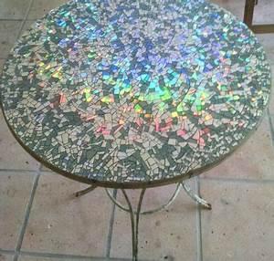 Table De Jardin Mosaique : table de jardin ronde avec une d co en mosa que d 39 anciens dvd ~ Teatrodelosmanantiales.com Idées de Décoration