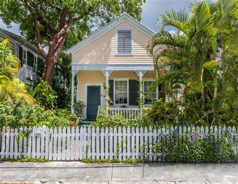 the conch style homes the neighborhood in key west florida