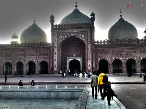 Badshahi Mosque Wallpaper Hd by Masjid Wallpapers Wallpaper Cave