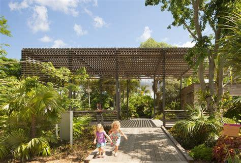 naples botanical garden visitor center lakeflato