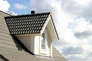 Lucarne De Toit : une fen tre de toit ou une lucarne pour votre grenier ~ Melissatoandfro.com Idées de Décoration