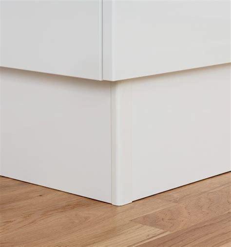 plinthe meuble cuisine ikea profil de jonction d angle pour plinthe houdan cuisines