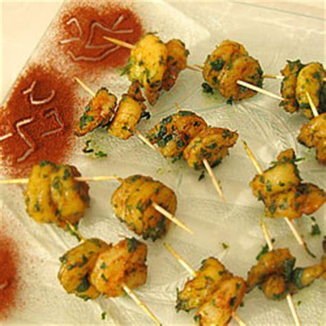 comment cuisiner une truite idees aperitif recette crevettes au curry ail et persil