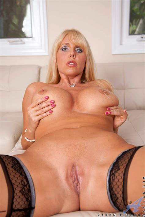 Porn Pic From Big Tits Blonde MILF