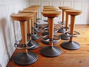 Tabouret De Bar En Bois : tabourets de bar bois et m tal style and steel jpg chaises tabourets lampes ~ Teatrodelosmanantiales.com Idées de Décoration