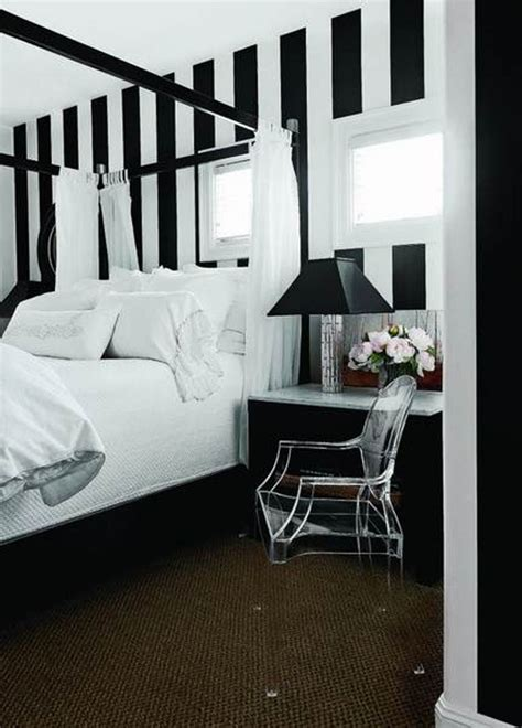 bedroom: Elegant Black and White Bedroom with Stunning
