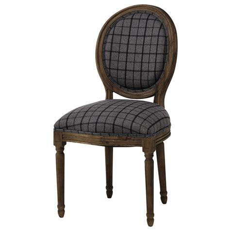 chaise grise tissu chaise médaillon en tissu à carreaux et chêne grisé louis