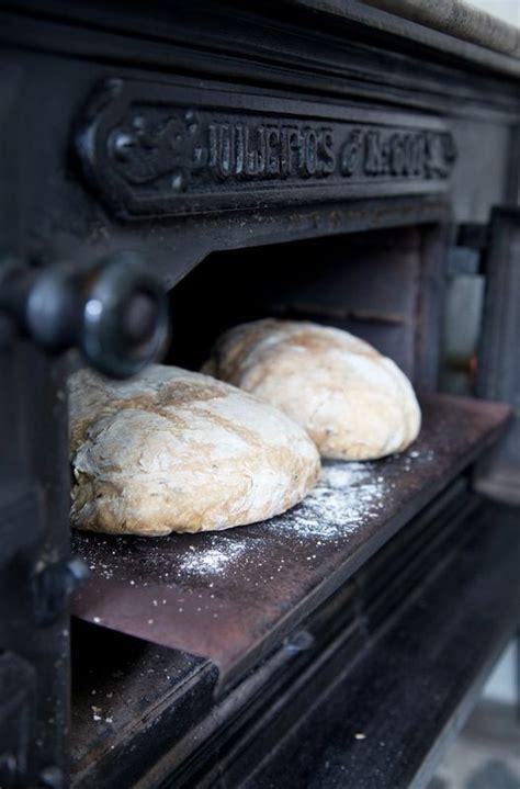 country bread stove baking oven antique kitchen living bakery bake some ljo zsazsabydesign pane forno beardandbike soaveintermezzo source