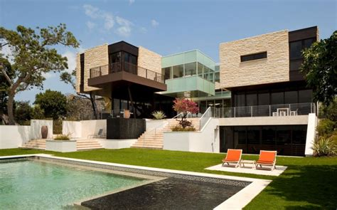 Luxury Design Modern Residence By Hughes Umbanhowar