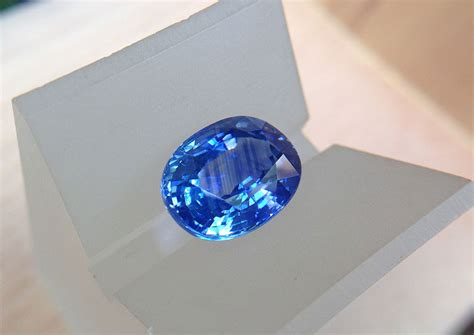 7 93 carats natural blue sapphire from sri lanka thai gems trustworthy gemstone