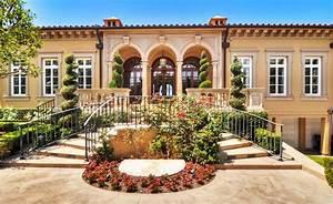 Home Tour: Leyla Melani's Posh Sunset Harbor Villa