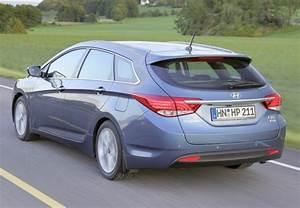 Hyundai I40 Pack Premium : hyundai i40 1 7 crdi 136 pack premium 2011 fiche technique n 137115 ~ Medecine-chirurgie-esthetiques.com Avis de Voitures