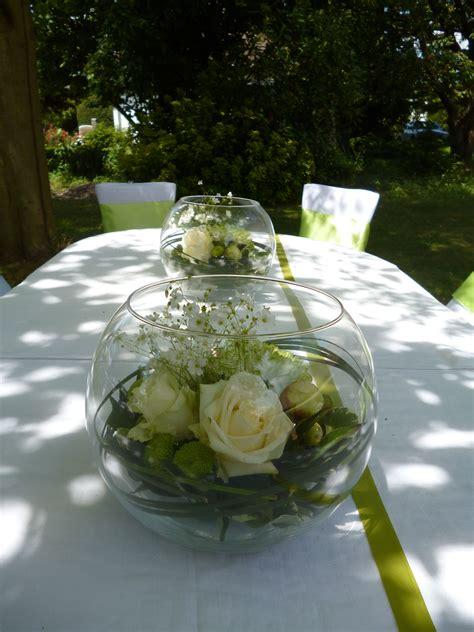 vase boule composition champetre bucolique vert  blanc